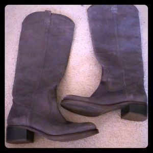 Lucky gorgeous gray boot